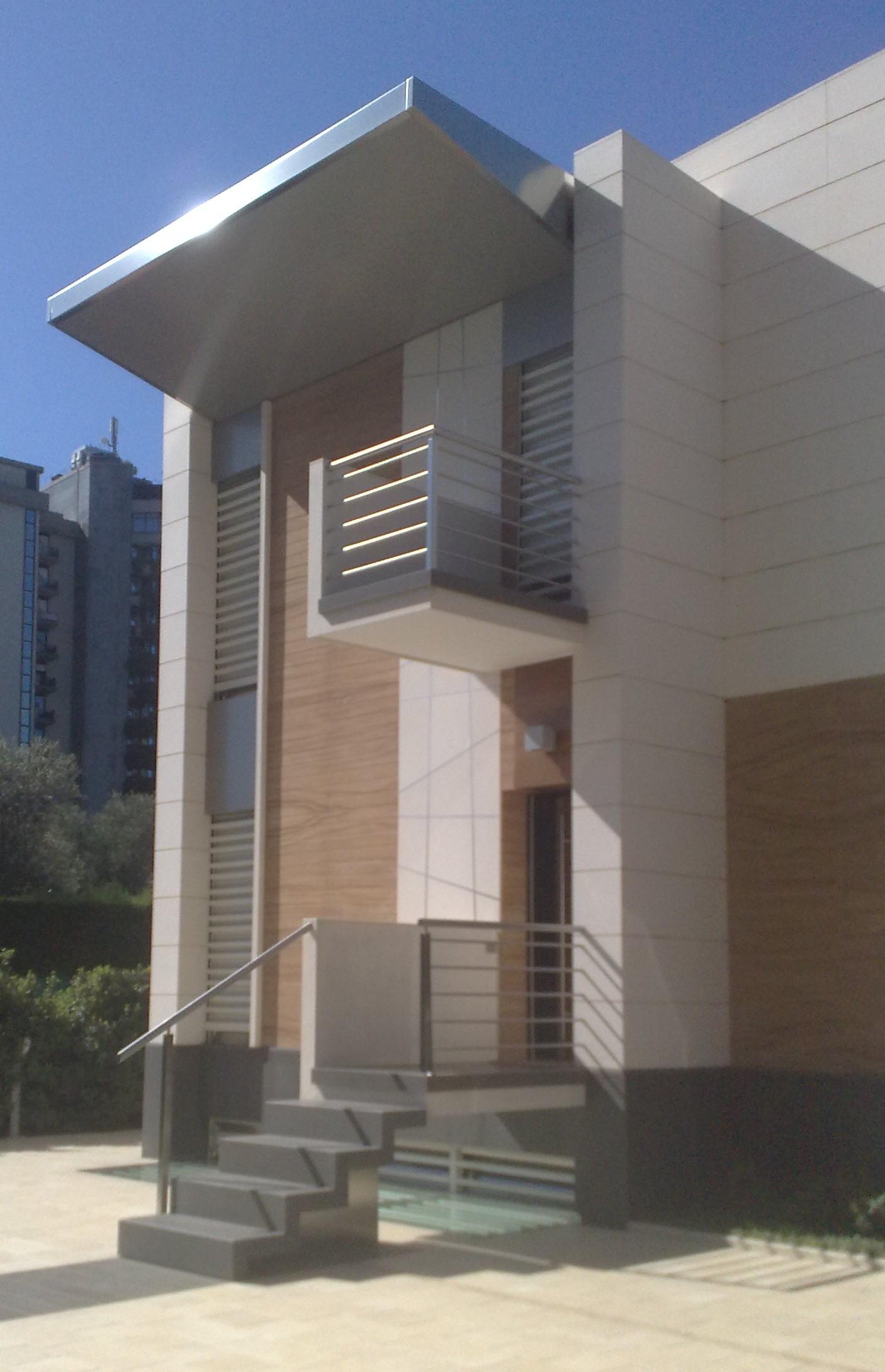 Fasciatoio muro moderno - Rivestimenti per terrazzi esterni ...